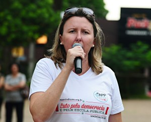 Cátia Castro, secretária de Formação da APP-Sindicato-Foz - foto Marcos Labanca