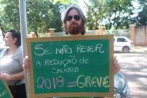 Educadores prometem greve se redução de salários for mantida - foto APP-Sindicato-Foz