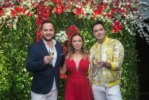 Luis Fabian Arana, da Perfume Holding, com Vanessa Lee e Rangel Barreto do grupo Cell Motions – foto Marcos Labanca