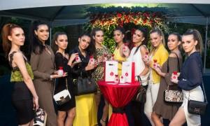 Marca Liu Jo, responsável pelo perfume Lovely U, também abrange roupas e acessórios - foto Marcos Labanca