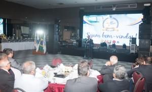 250 delegados sindicais, autoridades nacionais e municipais prestigiaram o evento - foto Marcos Labanca