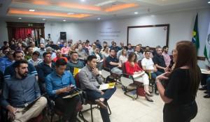 Empresários receberam orientações e fizeram perguntas sobre lojas francas - foto Marcos Labanca