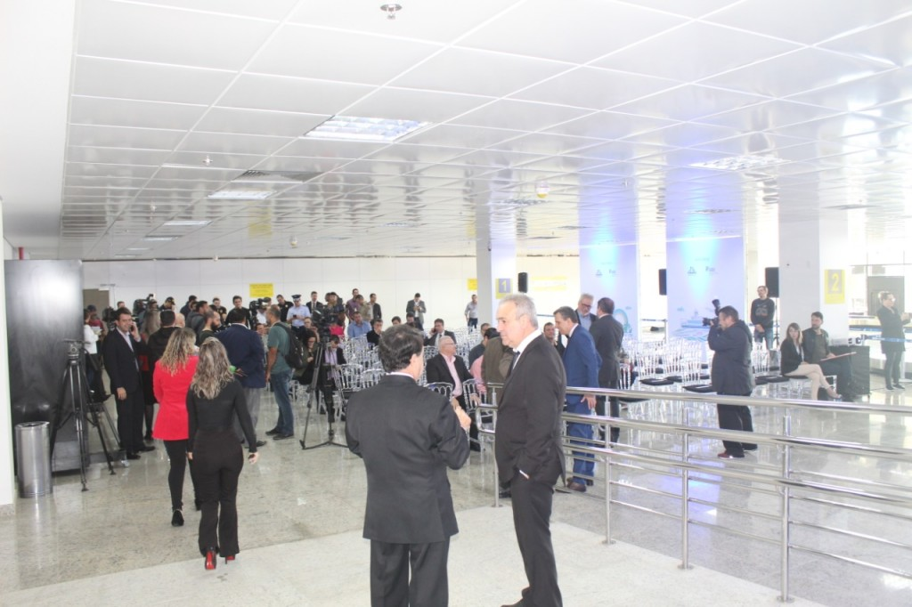Autoridades e convidados conheceram os detalhes das melhorias no aeroporto
