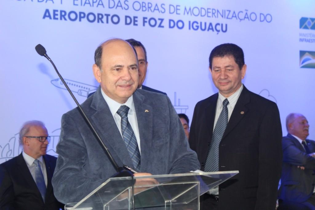 O diretor de Obras e Meio Ambiente, general Luiz Felipe Carbonell, representou a Itaipu na solenidade