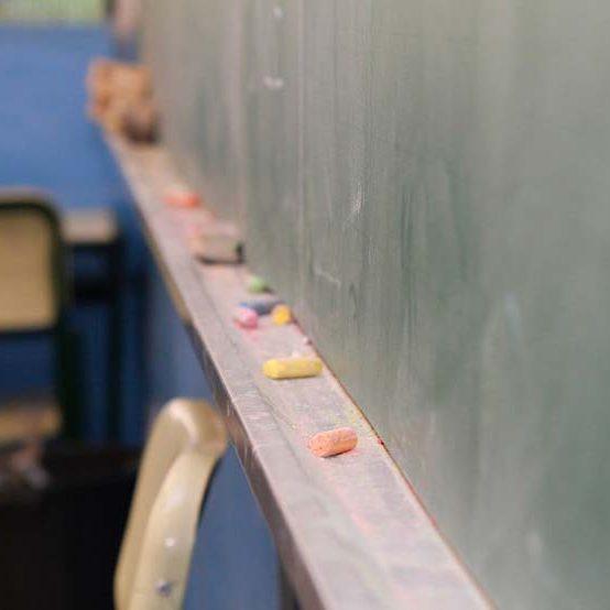 Colégio estadual registra caso de covid-19 e suspende aulas presenciais